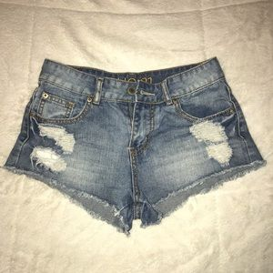 Rue21 ripped jean shorts
